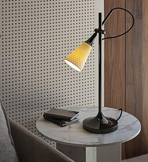 Elegant-cabin-essentials -to-brighten-up your-workspace-img05